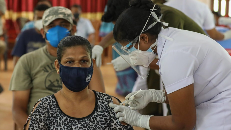 Szczepienie Sputnikiem V na Sri Lance