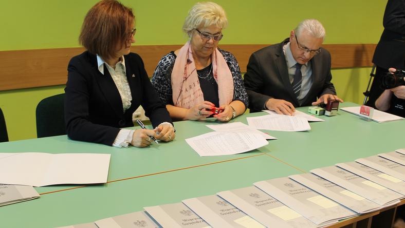 Ponad 350 tysięcy złotych trafiło do świętokrzyskich organizacji pozarządowych