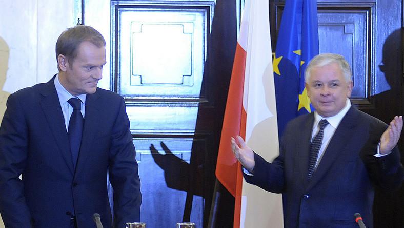 Premier Donald Tusk chce wysłać prezydenta Lecha Kaczyńskiego do Poznania