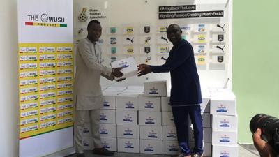 Ghana winger Samuel Owusu donates sanitizers to GFA