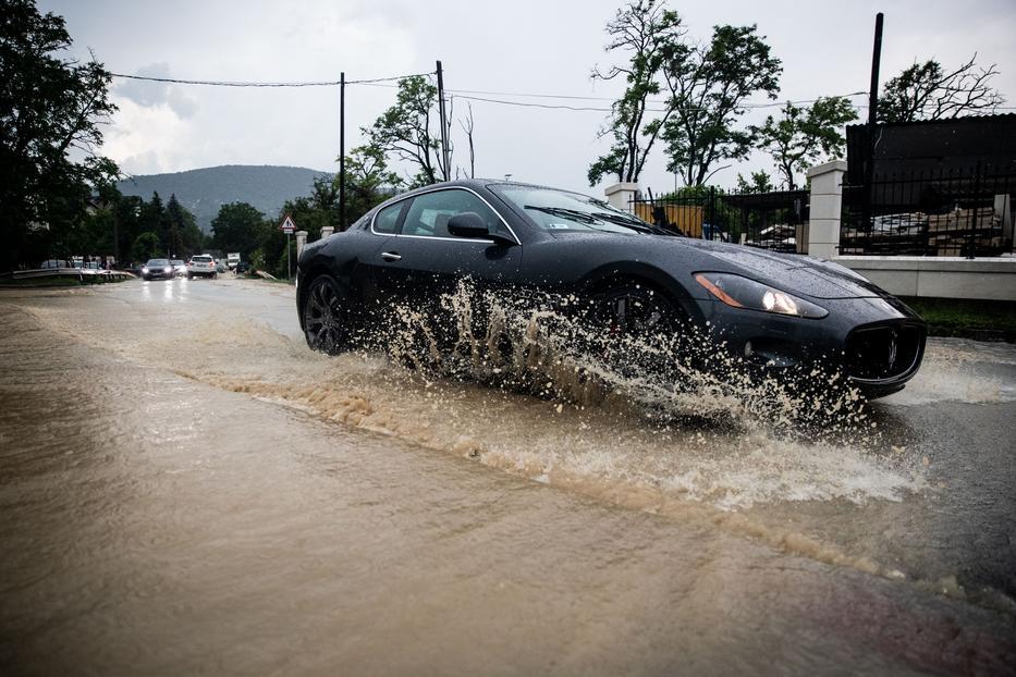 Az elmúlt hetekben mindenhol hullott az özönvízszerű eső /Fotó: Zsolnai Péter