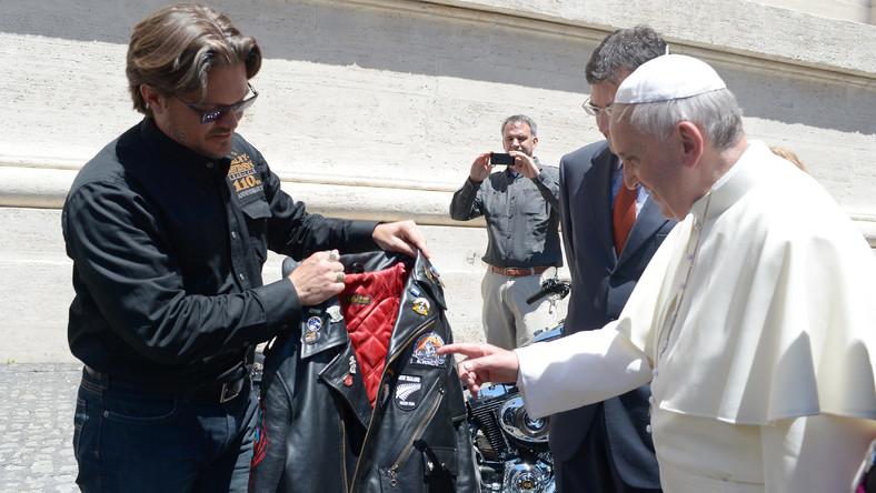 Jednym z najważniejszych punktów rocznicowych uroczystości było błogosławieństwo motocyklistów Harley-Davidson i ich maszyn przez papieża Franciszka na Placu św. Piotra w Watykanie...