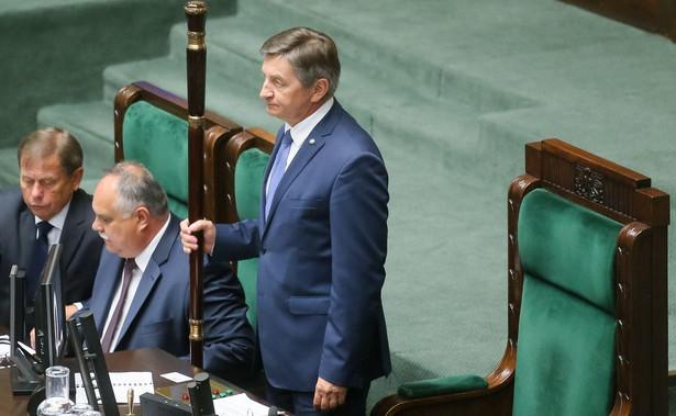 O skreśleniu tego punktu z porządku obrad poinformował we wtorek na początku posiedzenia marszałek Sejmu Marek Kuchciński.