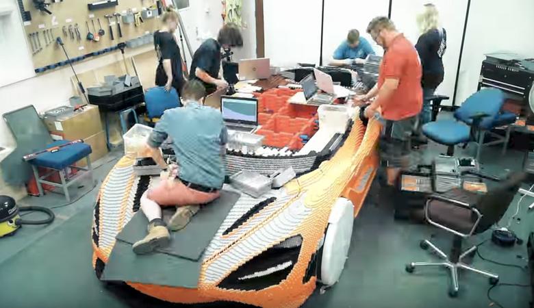 McLaren zbudował model z LEGO w skali 1:1