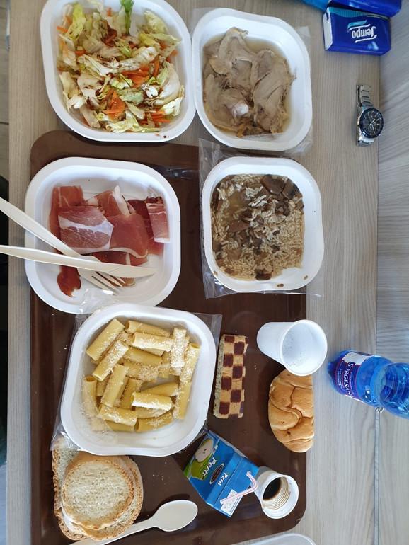 Hrana koja se služi u karantinu