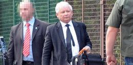 Jarosław Kaczyński wrócił ze szpitala. Wygląda na bardzo...