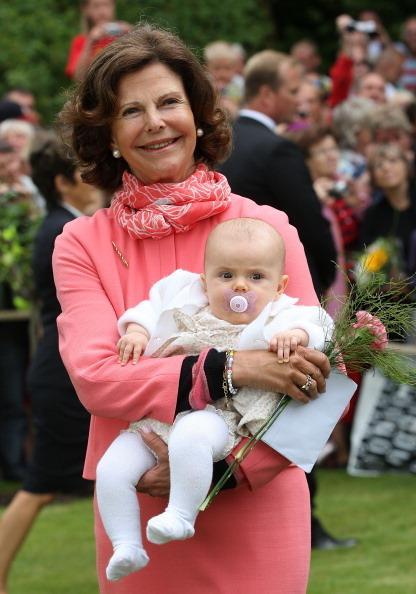 Stella Sylwia Ewa Maria z królową Sylwią / fot. Getty Images