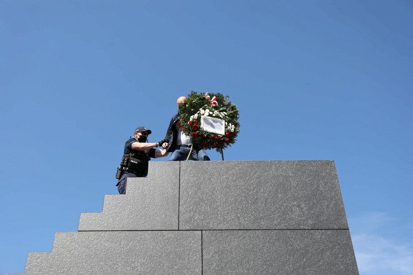 Incydent podczas obchodów miesięcznicy smoleńskiej.