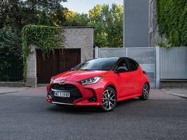 Nowa Toyota Yaris - ta hybryda ma naprawdę sens