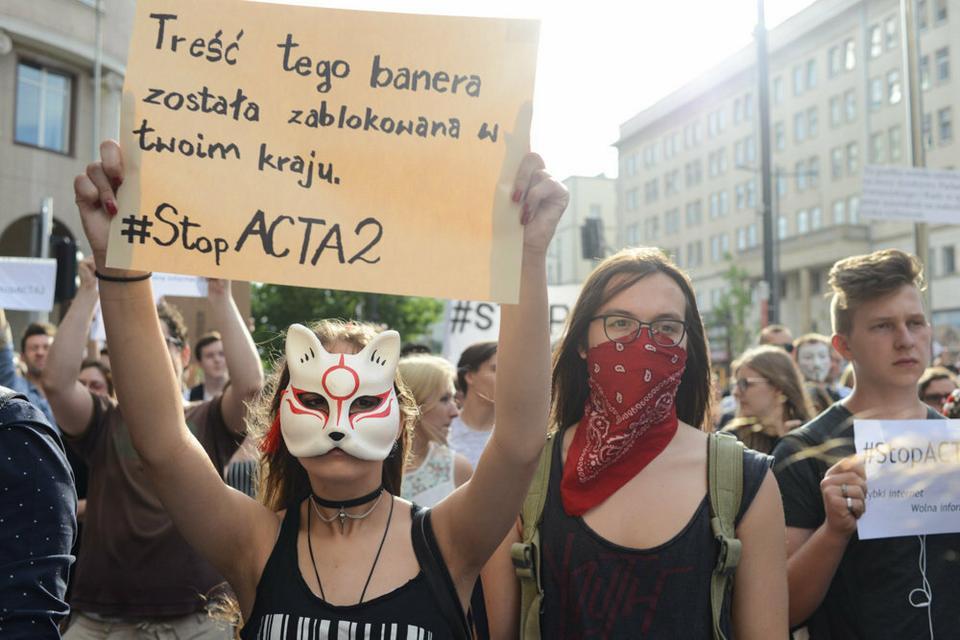 Przed przedstawicielstwem KE protest przeciwko cenzurze internetu