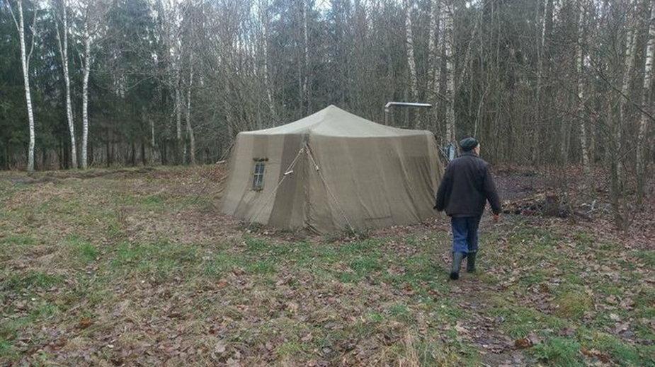 Białoruska rodzina ukrywała się w lesie ze strachu przed koronawirusem