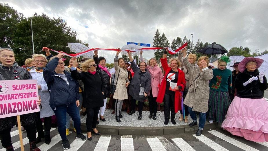 Uroczystość w Słupsku. Rondo Praw Kobiet