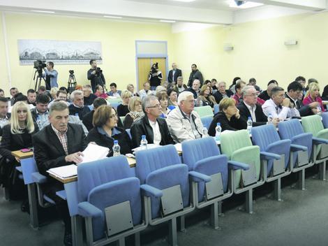 Podeljeni oko predloga za počasnog građanina: Odbornici Skupštine grada Valjeva