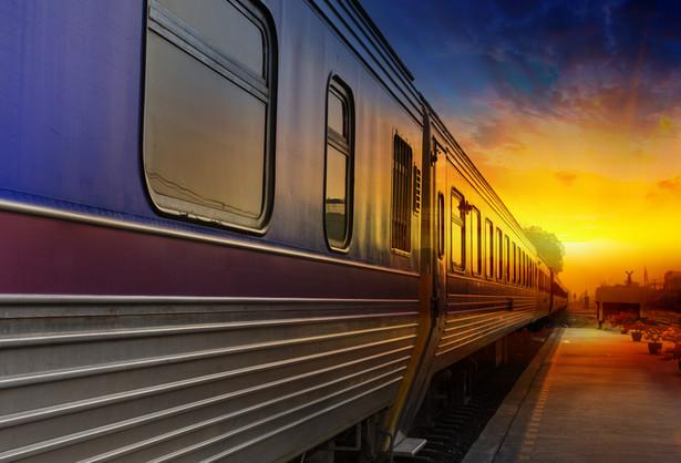 Według komunikatu, kierownicy pociągów to grupa zawodowa, której liczebność znacząco nie wpłynie na przedstawiony przez rząd cykl szczepień.