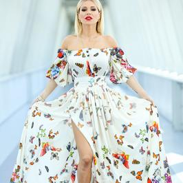 Doda była w TVP. Zachwyciła sukienką w motyle. Ta stylizacja kogoś nam przypomina...