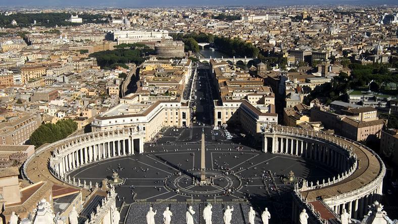 Watykan: byli szefowie fundacji oskarżeni o sprzeniewierzenie funduszy