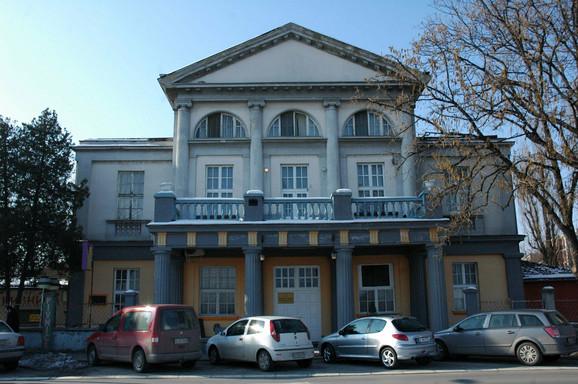 Nekadašnji Oficirski dom u Novom Sadu