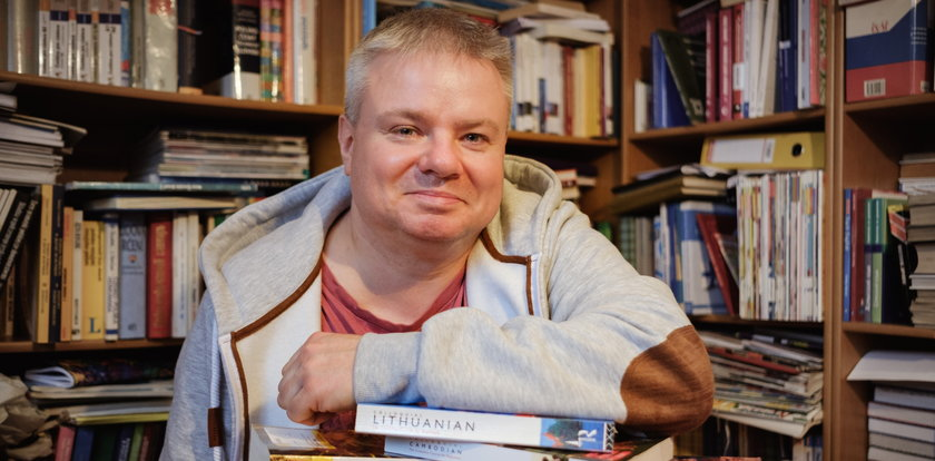 Tęga głowa! Nauczyciel z Rudy Śląskiej zna 20 języków.