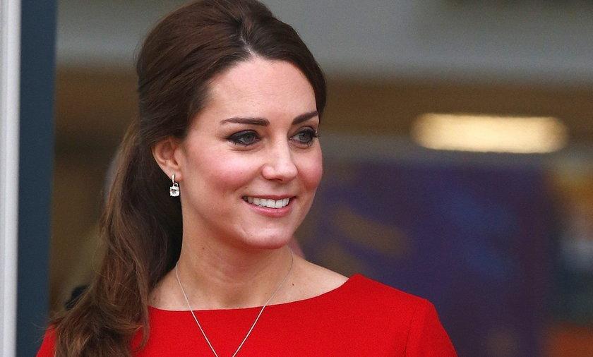 Księżna Kate w czerwieni
