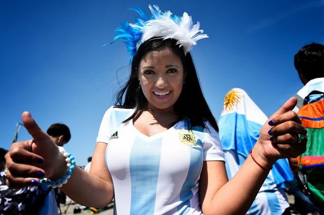 Lepa navijačcia Argentine