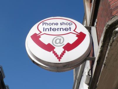 Bez zgody na zniesienie opłat roamingowych. Polska wstrzymała się od głosu.