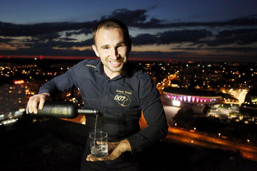Krzysztof Drabik na dachu Qubusa w Katowicach