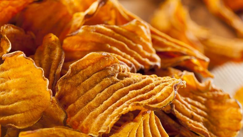Natolatki ukradły 25 paczek chipsów