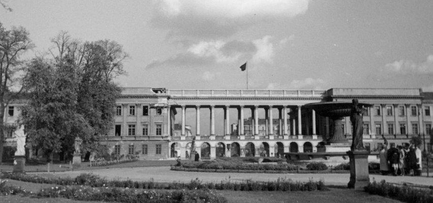 Uroczystość przekazania przez prezydenta projektu ustawy o odbudowie Pałacu Saskiego
