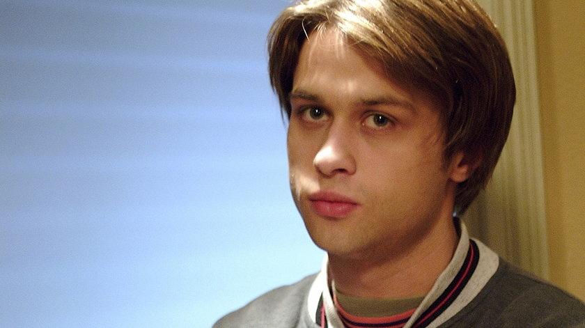 Nazywają go polskim Bradem Pittem. Pamiętacie jak zaczynał?