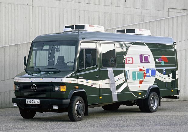 Pierwszy pojazd testowy Mercedesa do badań w ramach projektów bezpieczeństwa w ruchu drogowym