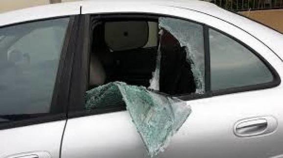 Nekoliko godina unazad u Grčkoj lopovi obijaju automobile turista