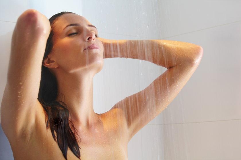 Nic nie przyniesie ukojenie bardziej niż zimny prysznic.