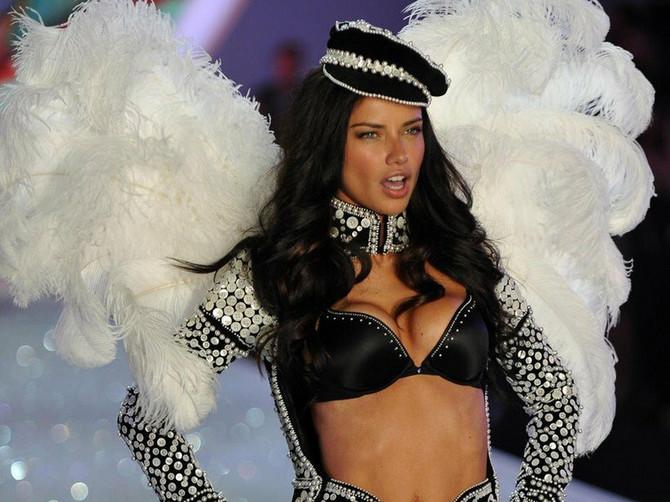 Najlepše žene sveta spremne su za spektakl: Pripremite se i vi, biće ovo SILOVITI UDARI lepote i seksepila
