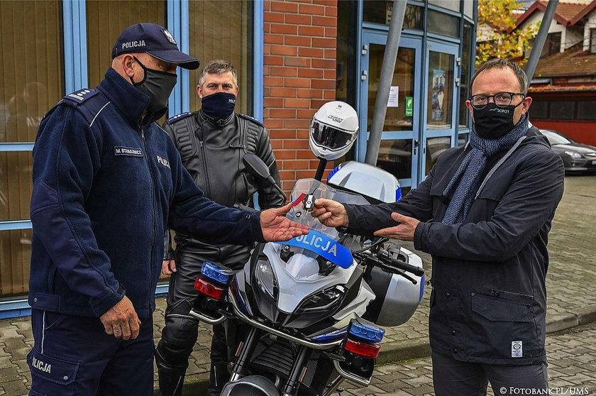 Przekazanie kluczyków do nowych motocykli.