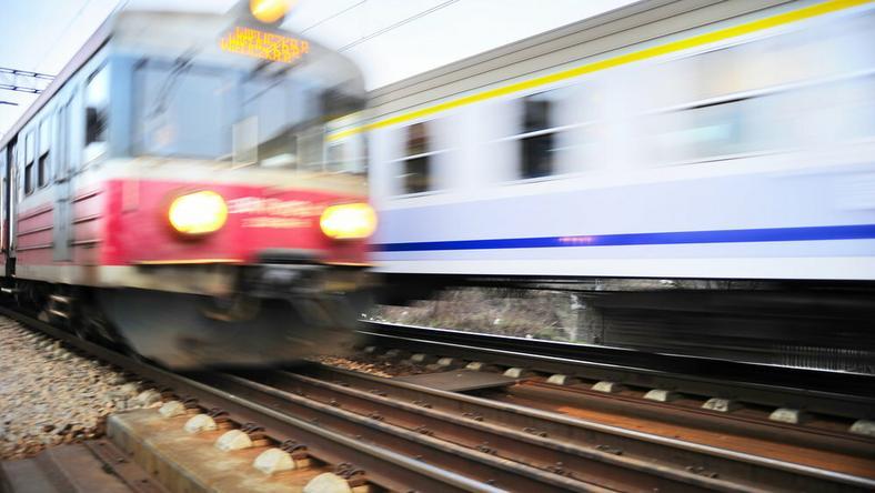 Od dziś do 10 sierpnia zmienioną trasą pojadą wszystkie pociągi kursujące dotychczas po Centralnej Magistrali Kolejowej