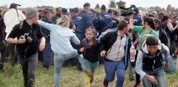 Zaatakowała uchodźcę, teraz chce go pozwać