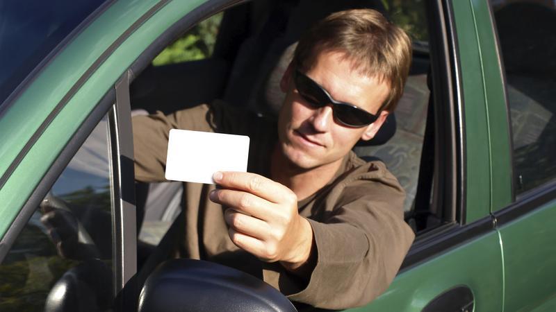Jazda bez prawka - konsekwencje mogą być kosztowne