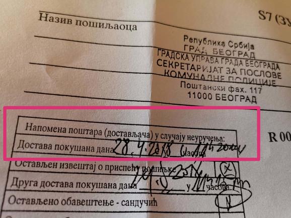 PIše da je dostavljač pokušao uručenje 28. aprila 2018, skoro mesec dana pre nastanka prestupa