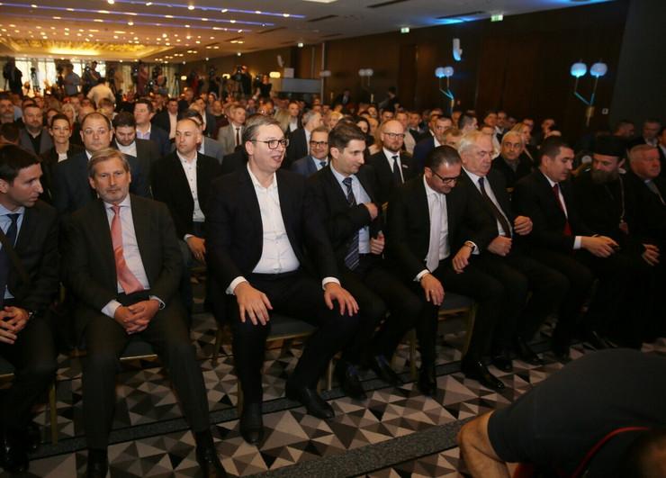 Sportske igre mladih, Johanes Han, Aleksandar Vučić