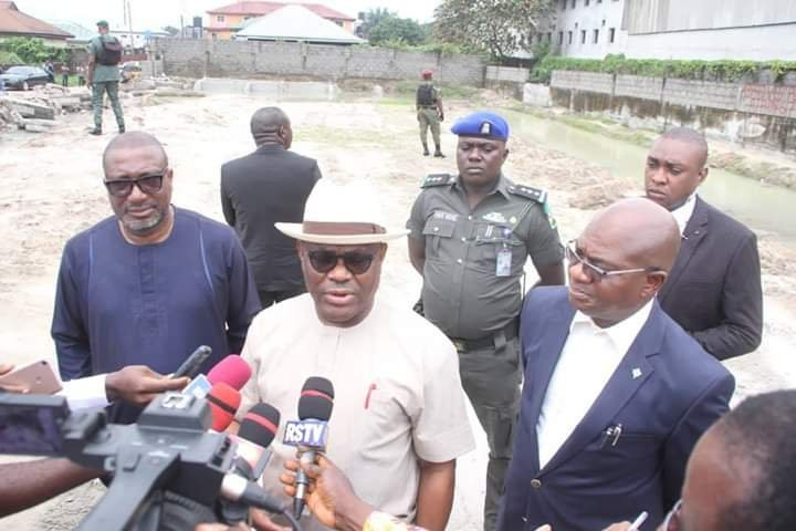 Nyesom Wike, Governor of Rivers State, addresses the press in 2019 (Twitte/@GovWike)
