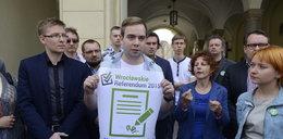 Kto w końcu robi referendum?