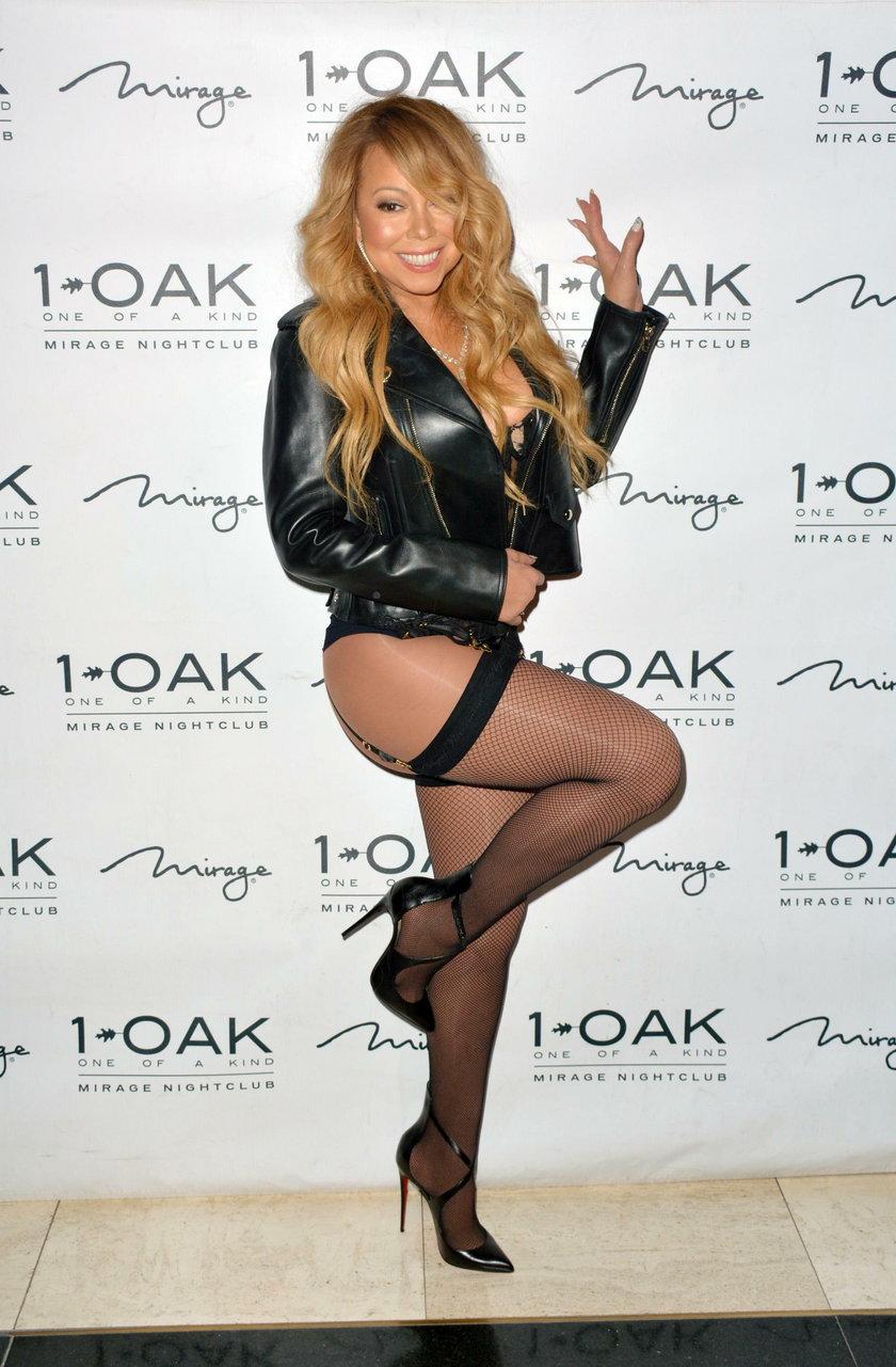 Mariah Carey poszła do klubu w gorsecie i pończochach