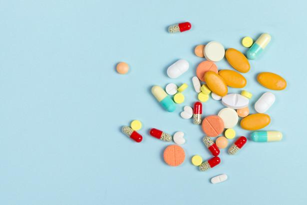 Do aptek przychodziły maile, w których informowano o konieczności wymieniania leków na jakieś inne.
