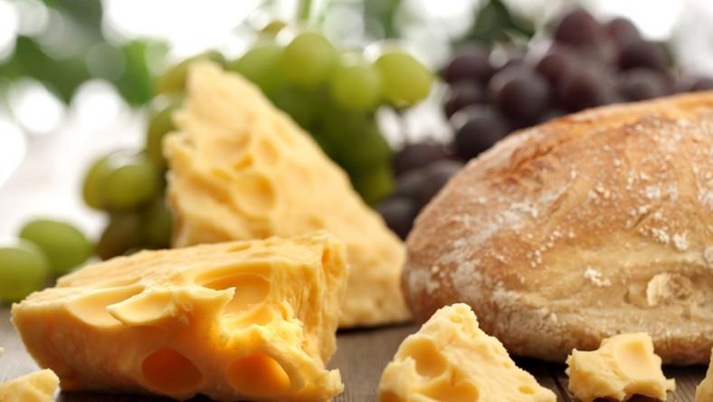 Dlaczego ser ma dziury...?