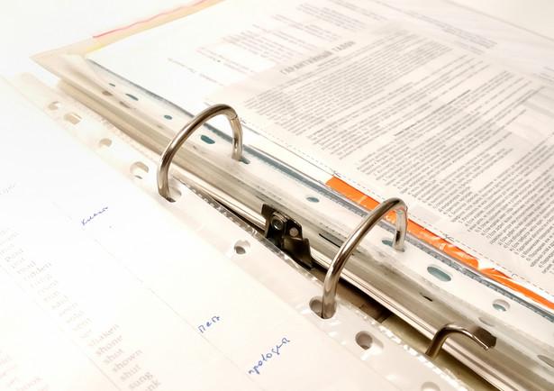 Należy niezwykle ostrożnie podejść do kwestii nowego systemu gromadzenia akt pracowniczych i tworzenia nowych wykazów dokumentów.