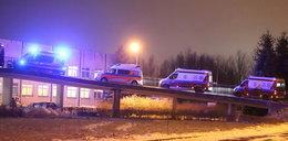 Dramatyczne sceny w Radomiu. Kolejka karetek przed szpitalem. Pacjenci czekali godzinami na przyjęcie
