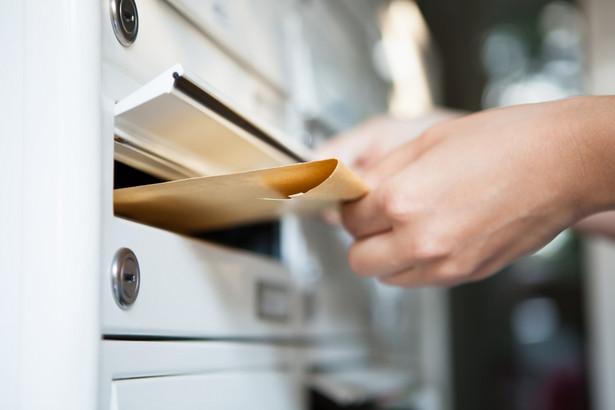 Poczta nie została automatycznie operatorem na kolejne lata.