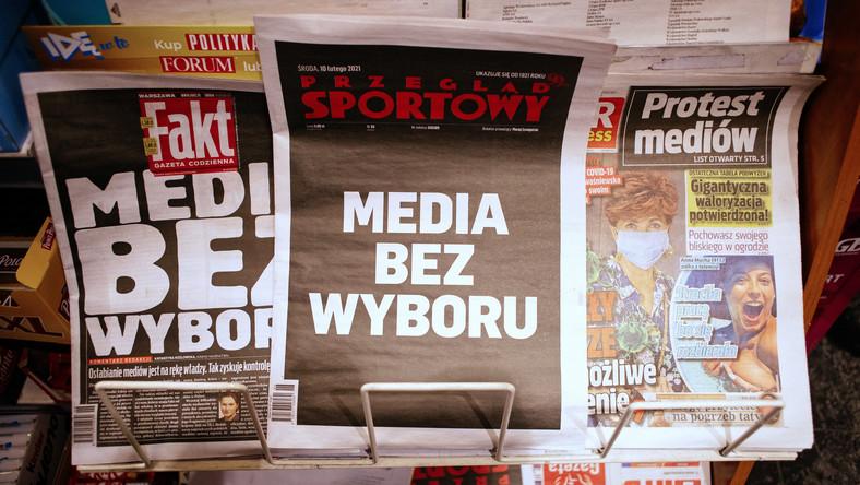 Wczorajsza akcja protestacyjna niezależnych mediów w Polsce to wielki sukces. Skala solidarności naturalnych przecież konkurentów była niespotykana. Fakt, że prawie wszystkie redakcje na całą dobę zrezygnowały z prowadzenia programu, pokazując widzom czarny ekran z hasłem protestu, jest ewenementem, nie tylko na skalę polską. Ten gest był bardzo ważny — pisze Jakub Bierzyński*.