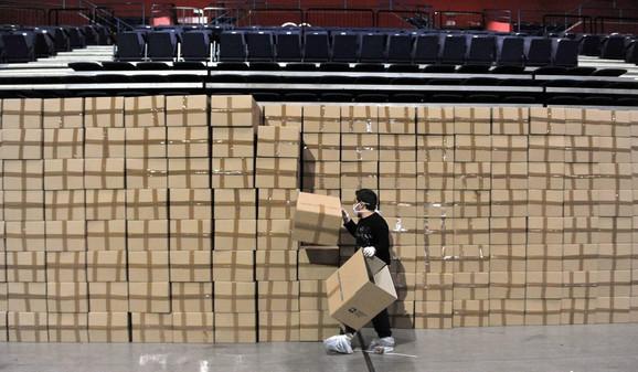 Priprema 173.000 paketa