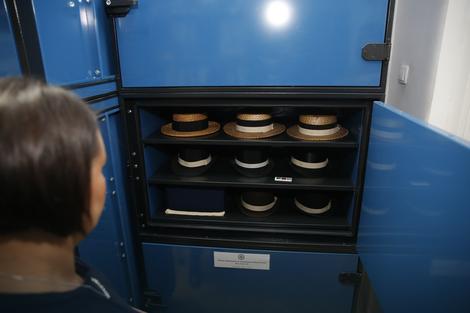 Teslina kolekcija šešira